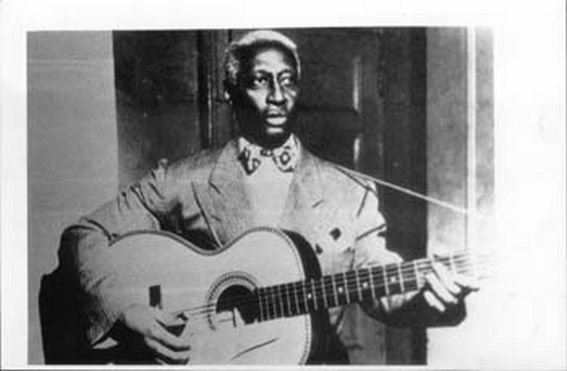 HUDDY LEDBETTER Leadbelly.jpg