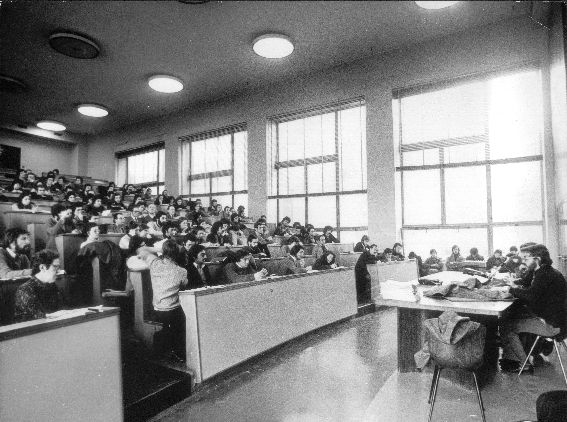 collettivo in Universita statale a milano.jpg