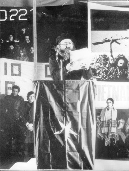 Franco Parenti - spettacolo per Movimento Studentesco - foto Marenghi.jpg